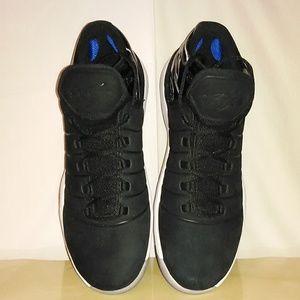 Jordan 11s